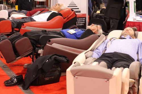 Imada chairs massage chairs won 5 consumer electronics honors in 2010 (2)