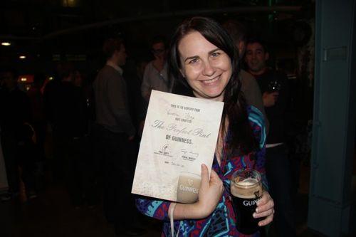 Vanessa fox gets her guinness certificate