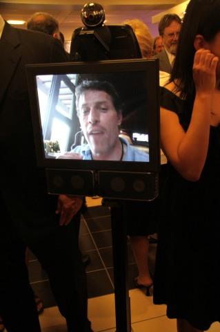 Tony Robbins in the Texai robottt (6)