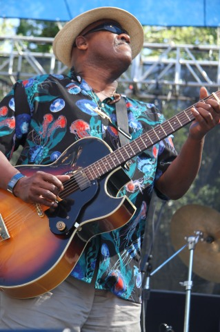 Taj Mahal at Santa Cruz Blues Festival (28)