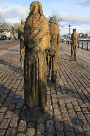 Potato famine statues -Famine Memorial, Dublin (18)