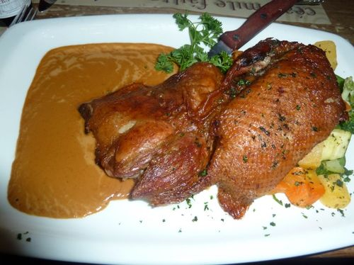 Roasted half duck champagne-slow tender roasted bonless half duck with campagne and grape sauce (5)