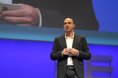 Loic LeMeur on leweb stage (6)