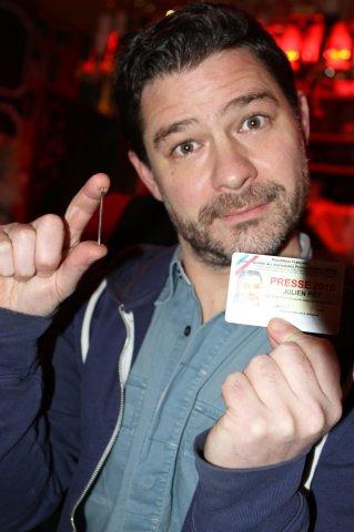 Julien pot media friend of yves at bar in st germaine des pres (2)