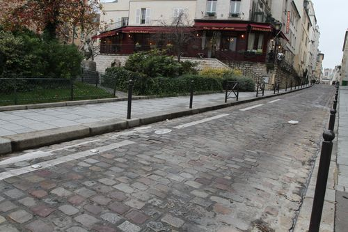In between sorbonne and latin quarter - walk in paris day 2 (56)