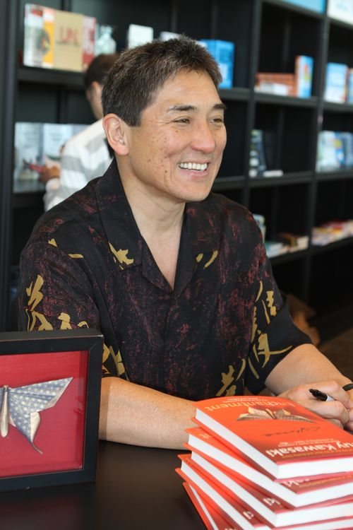 Guy Kawasaki Book signing at adtech (11)