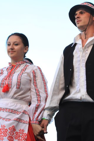 Hungarian-dancers (7)