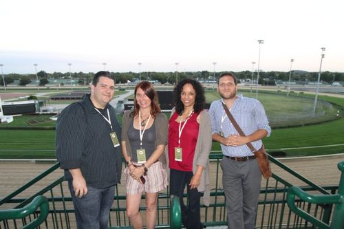 Blogger group shot churchill downs (2)